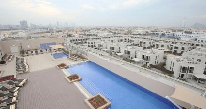 Metropolitan Dubai pool